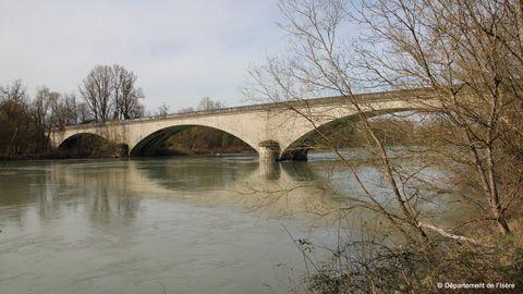 Le pont d'Evieu