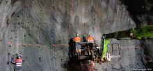 Travaux du tunnel du Chambon-Préparation du tir de mines