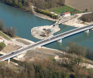 Vue aérienne du nouveau pont de St-Quentin-sur-Isère - Mars 2018
